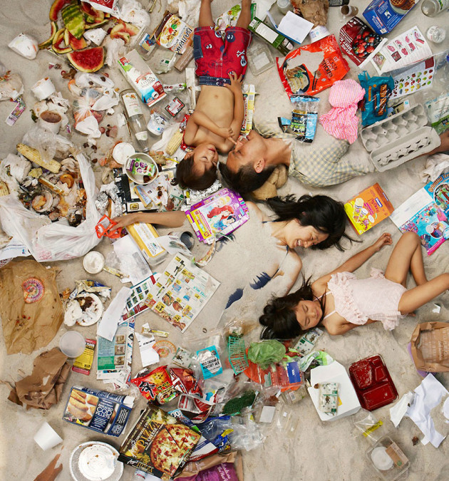 7 Days of Garbage di Gregg Segal